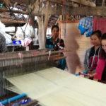 การก้าวสู่อนาคตของผ้าทอจอมป่า