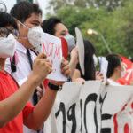 กลุ่มนิสิตนักศึกษา แสดงพลัง แฟลชม็อบ ไล่ฝุ่น หน้าทำเนียบฯ เร่งรัฐบาลออกมาตรการแก้ปัญหา PM 2.5 อย่างจริงจัง