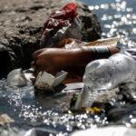 จากขวดน้ำถึงซองยาสูบ:  การศึกษาโดยสหประชาชาติกับความพยายามติดตามเส้นทางขยะพลาสติกในแม่น้ำโขงและคงคา